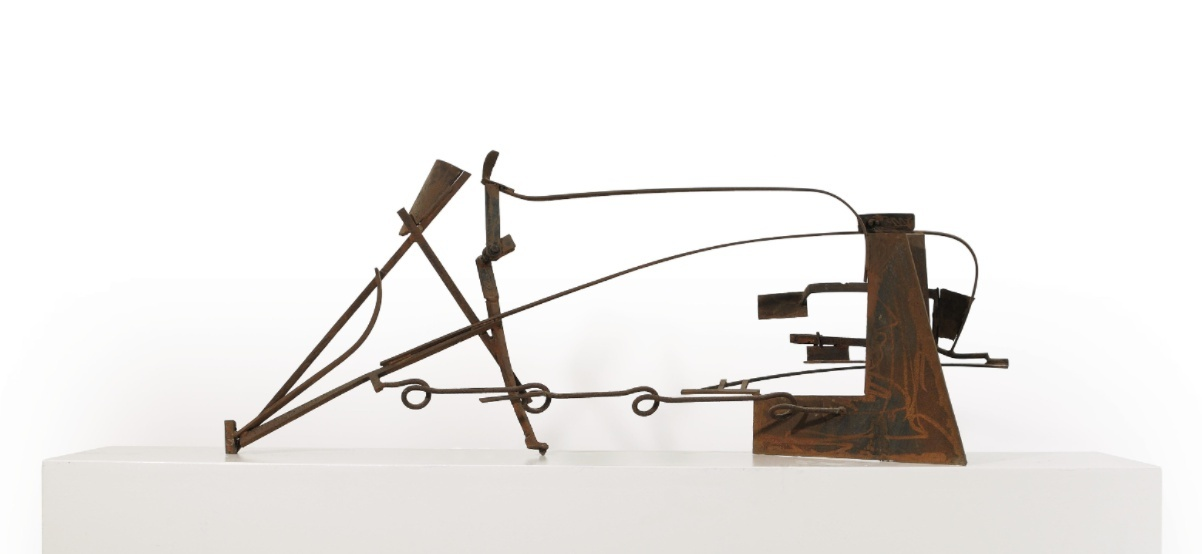 "<span class=""link fancybox-details-link""><a href=""/exhibitions/7/works/image94/"">View Detail Page</a></span><p><strong>Sir Anthony Caro</strong></p><p>1924-2013</p><p>Table PIece Z-8, 1978-9</p>"